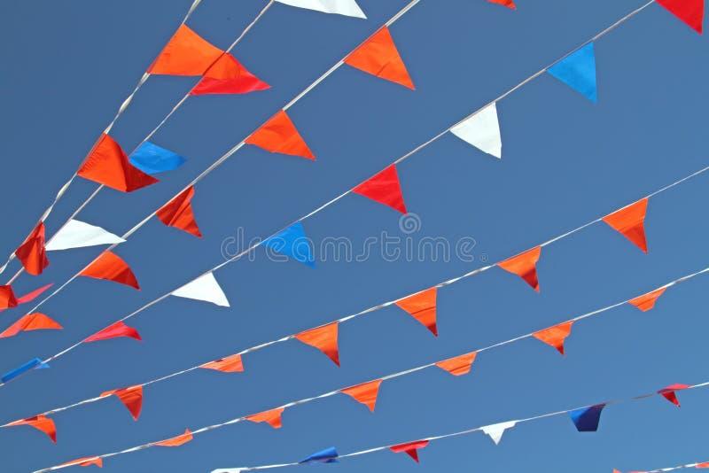 белизна померанцового красного цвета голубых флагов стоковое изображение