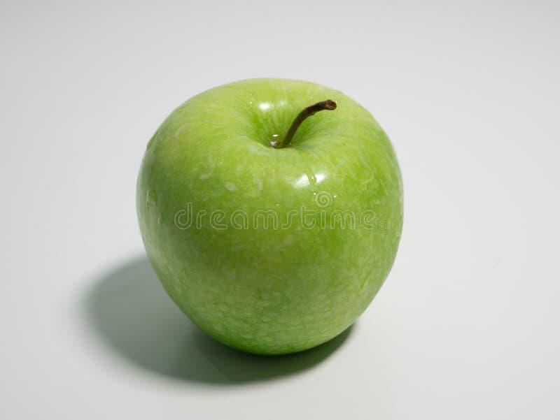 белизна предпосылки яблока свежая зеленая стоковая фотография rf