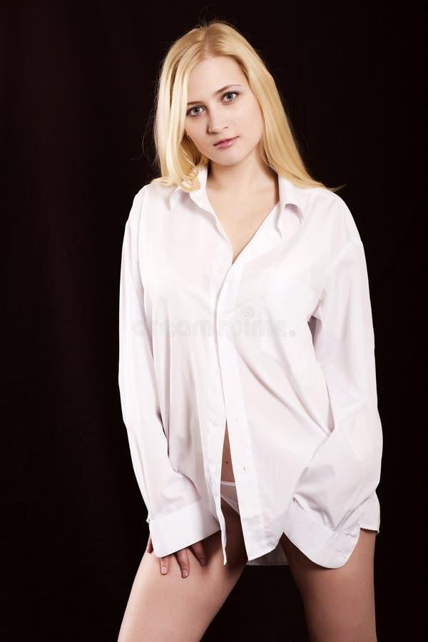 белизна рубашки девушки стоковое фото rf