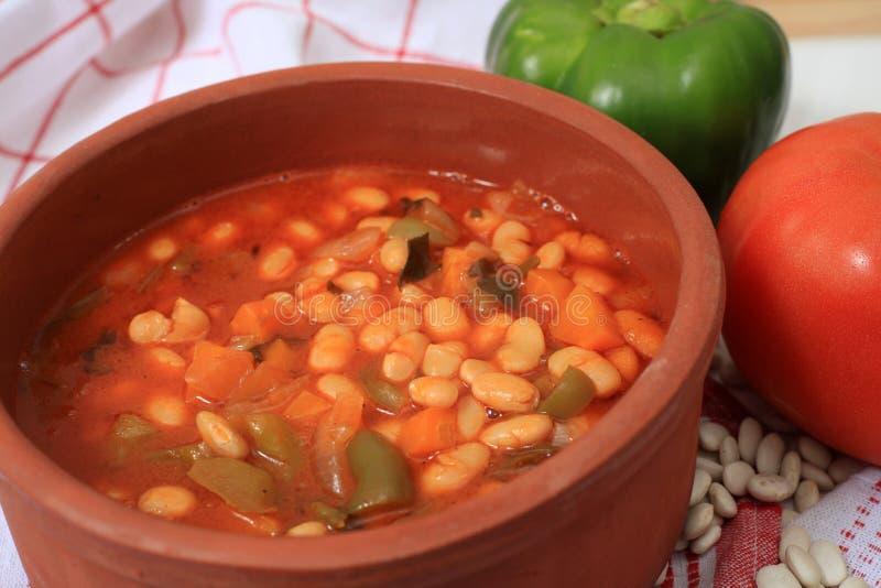 белизна супа фасоли греческая горизонтальная стоковое фото