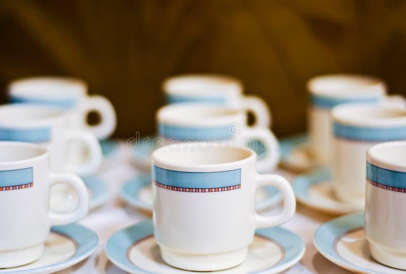 белизна чая фарфора чашек 9 стоковое изображение rf
