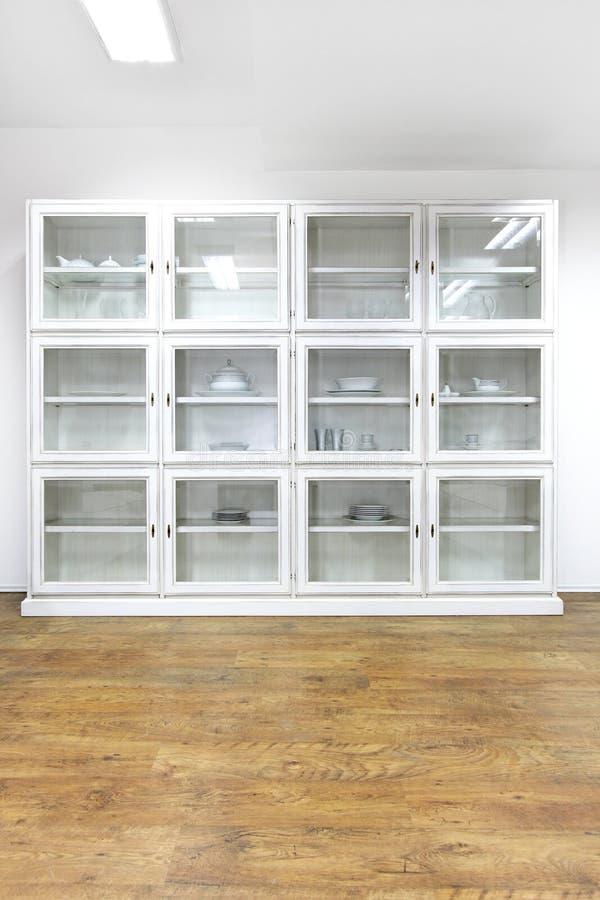 белизна шкафа стеклянная стоковое фото rf