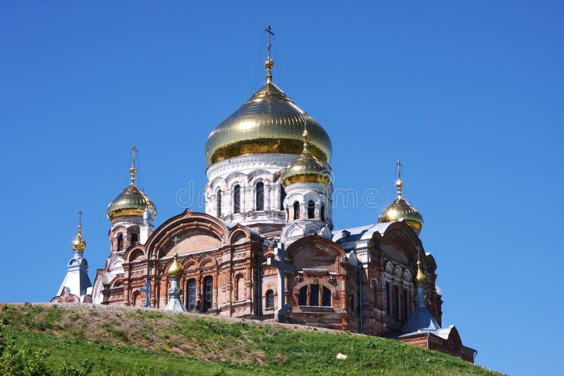белизна st nicholas горы церков i стоковое изображение