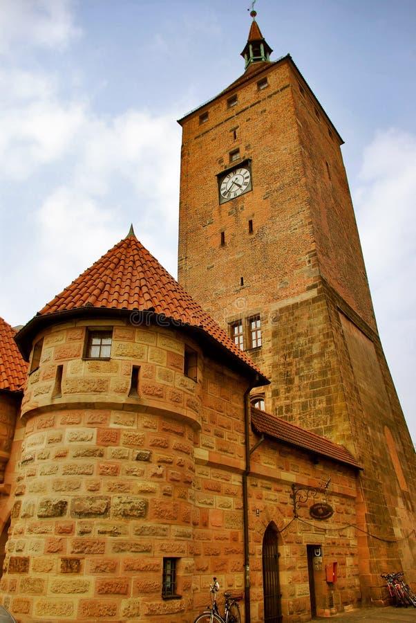 белизна weisser turm башни nurnberg Германии стоковые изображения