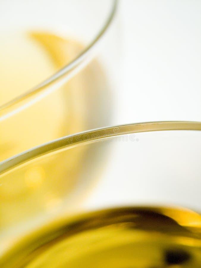 Download белое вино стоковое фото. изображение насчитывающей освежать - 483104