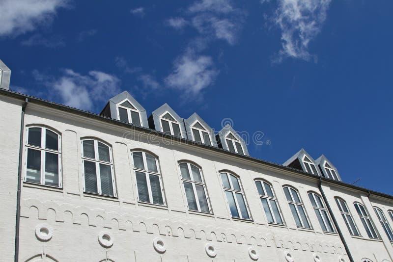 Белое здание в Svendborg стоковые фото