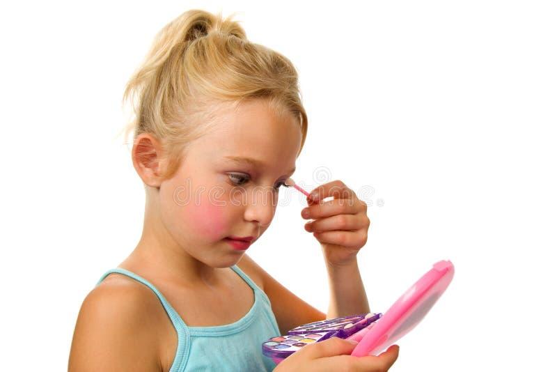 белокурая девушка немногая делает играть вверх стоковое изображение