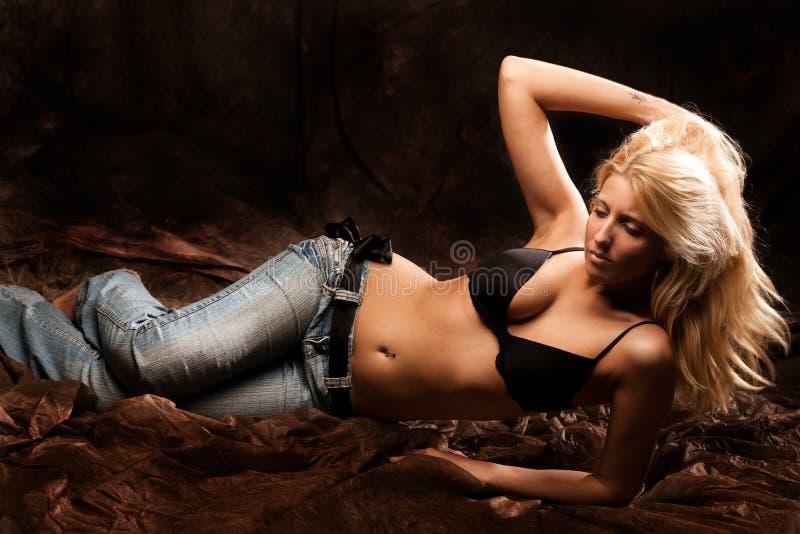белокурая женщина стоковые фото