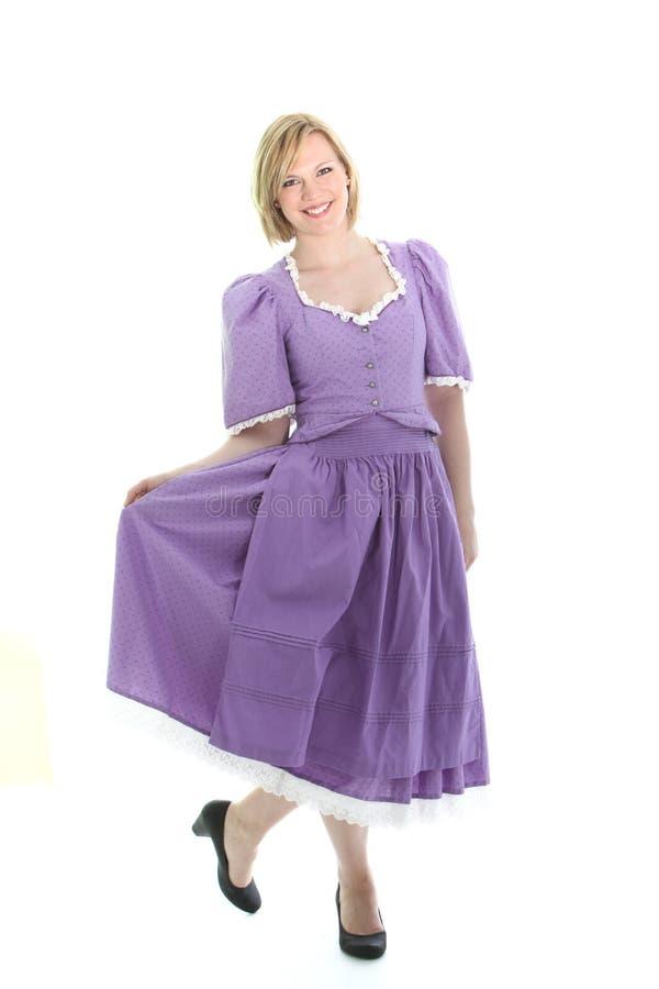 Белокурое платье девушки и dirndl стоковая фотография rf