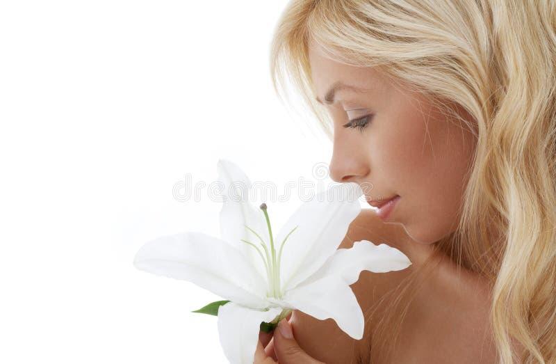 белокурое madonna лилии стоковое фото rf