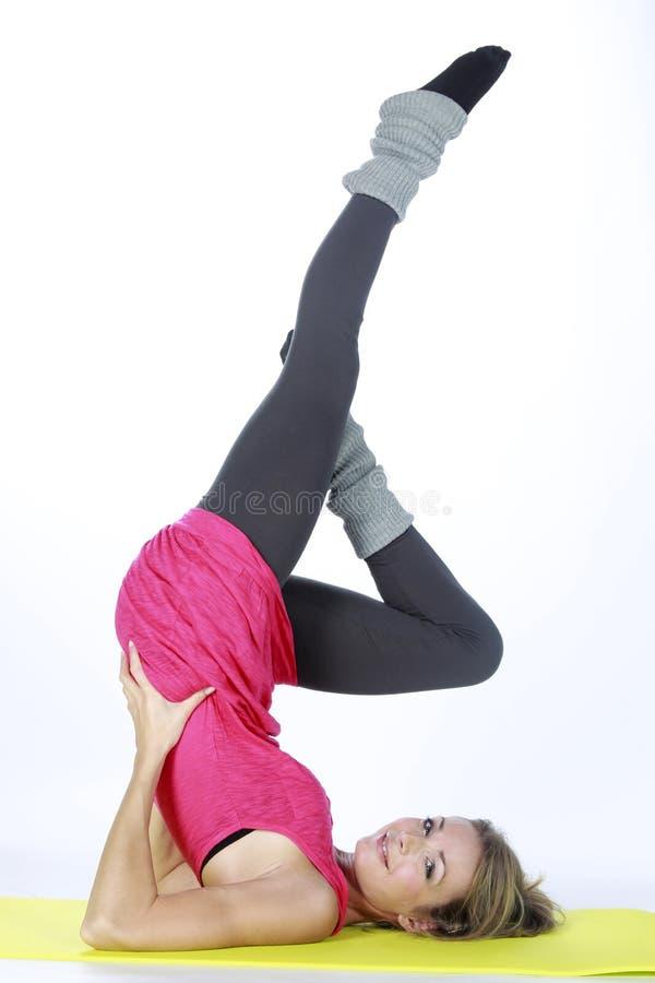 белокурый спорт девушки пригодности стоковая фотография