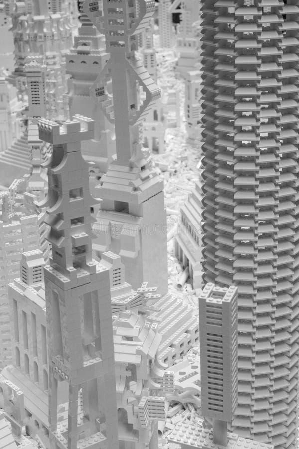 Белые кирпичи Lego в турбине Hall на Tate современном, Лондоне Великобритании Установка вызвана проектом Lego художником Olafur E стоковая фотография