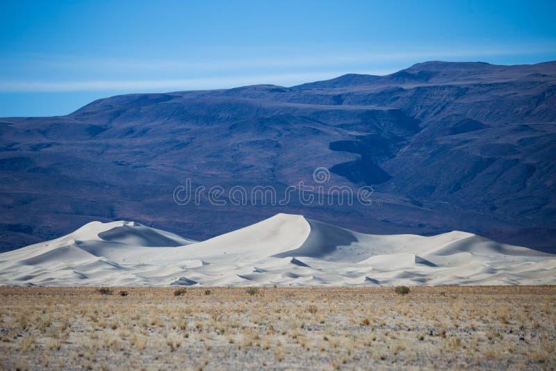 Белые песчанные дюны долины Eureka стоковое изображение