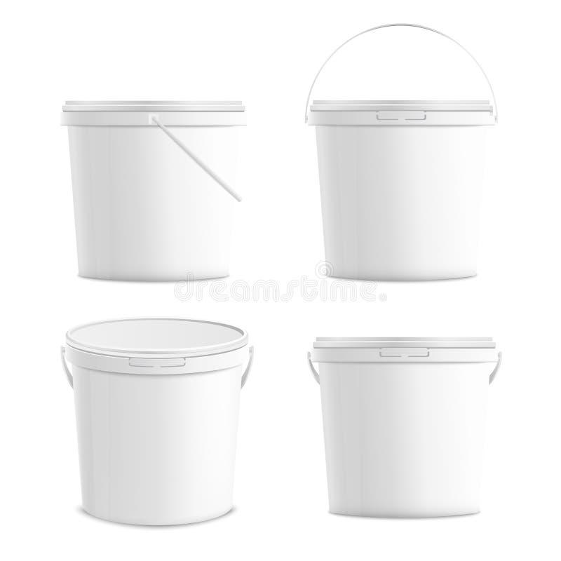 Белые пустые пластиковые ведра установили реалистическую иллюстрацию вектора модель-макета 3d изолированный бесплатная иллюстрация