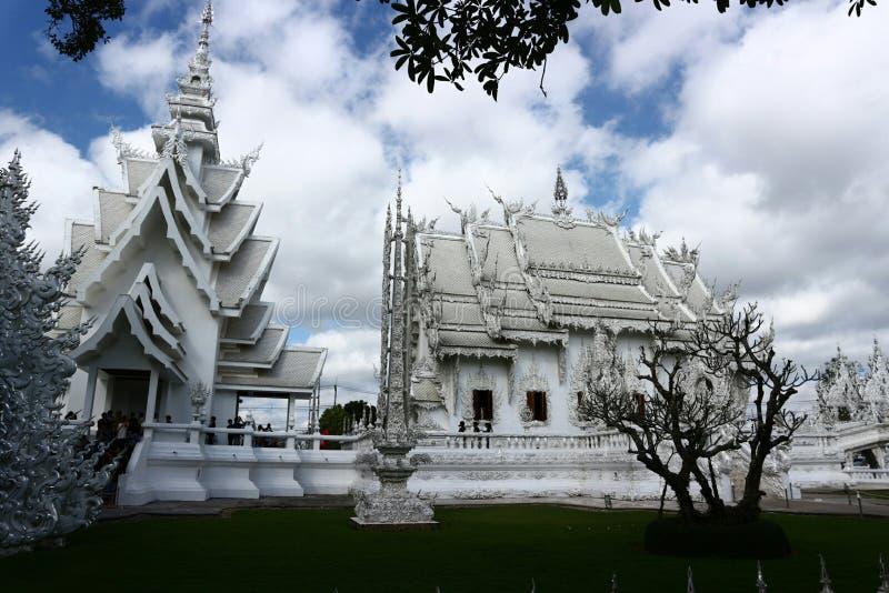 Белый висок как рай в вере в буддизме стоковое фото rf
