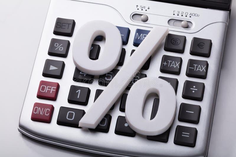 Белый знак процента на калькуляторе стоковое изображение rf