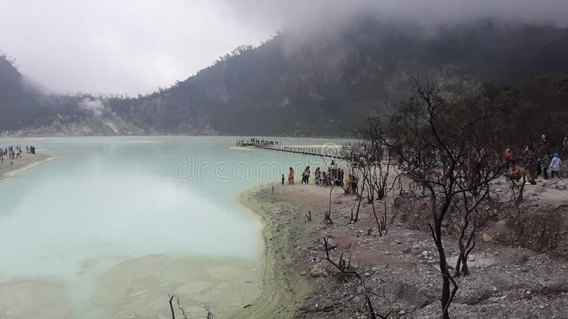 Белый кратер Lembang Бандунг Jawa Barat Индонезия стоковая фотография rf