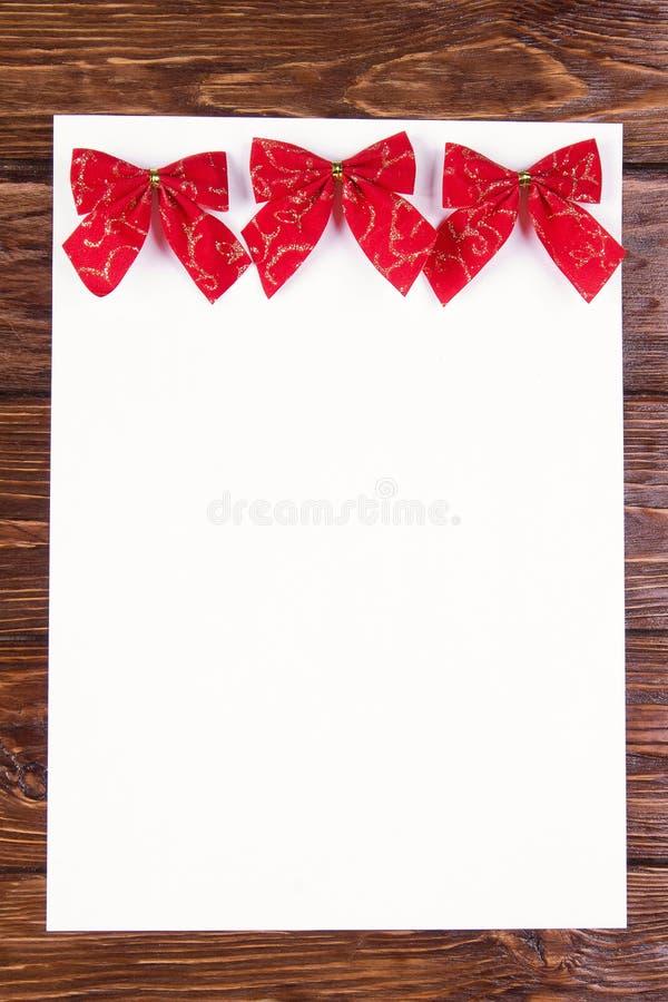 Белый лист бумаги стоковое изображение rf