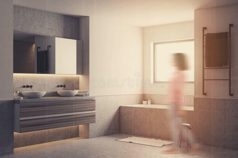 Белый угол ванной комнаты, серый ушат и нерезкость раковин иллюстрация штока