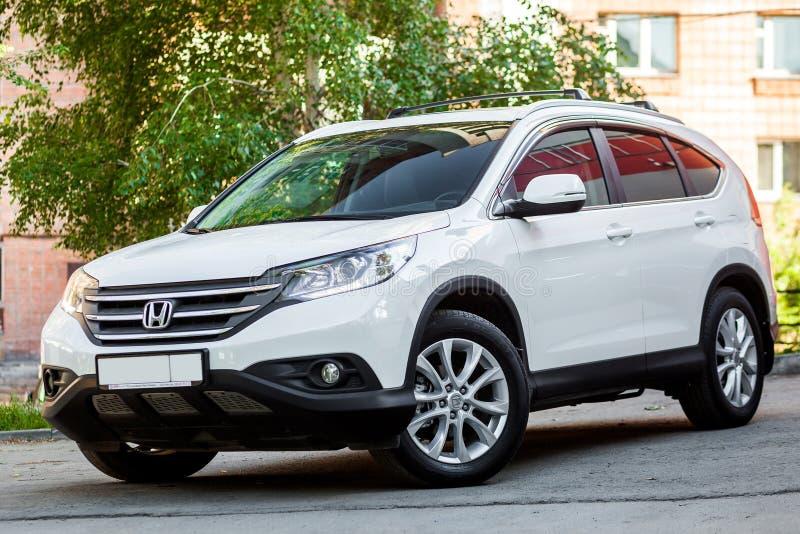 Белый Хонда CRV стоковые фото