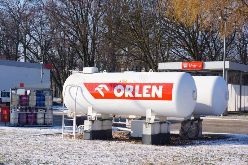 Бензобаки Orlen стоковое фото rf