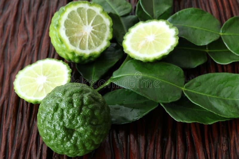 Бергамотский фрукт с листом стоковое изображение