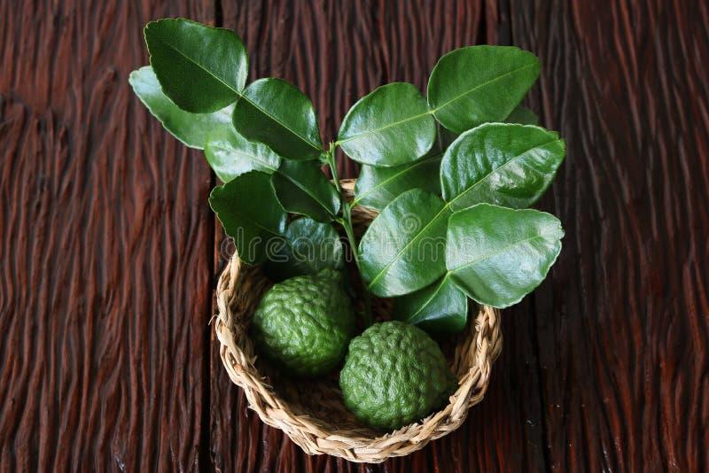 Бергамотский фрукт с листом стоковое фото