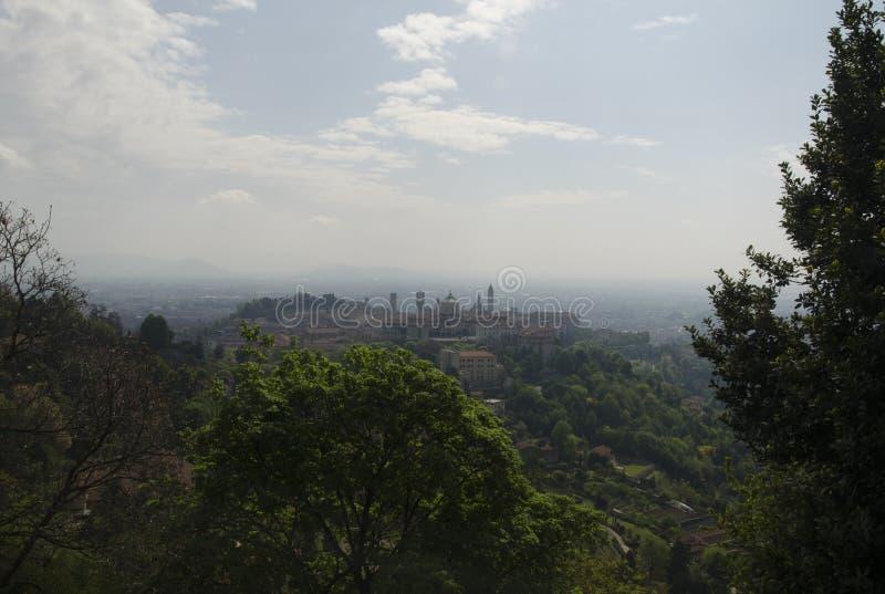 Download Бергамо стоковое фото. изображение насчитывающей панорамно - 40575982
