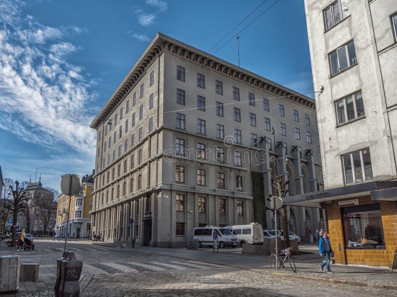 Берген, Норвегия - март 2017: Здание здания суда где wa людей стоковые изображения rf