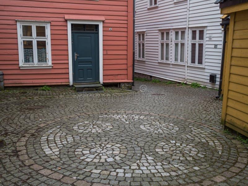 Берген, Норвегия март 2017: Старые исторические красочные деревянные дома стоковое фото rf