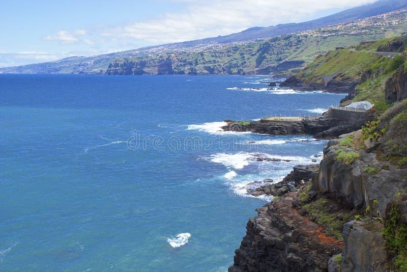 Береговая линия северного Тенерифе, Канарских островов стоковые изображения rf