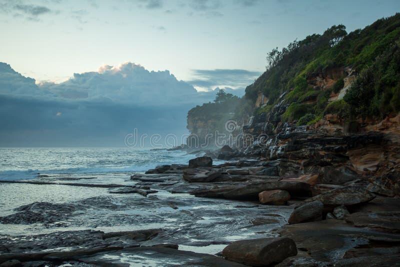 Береговая линия Сиднея на восходе солнца стоковые фото