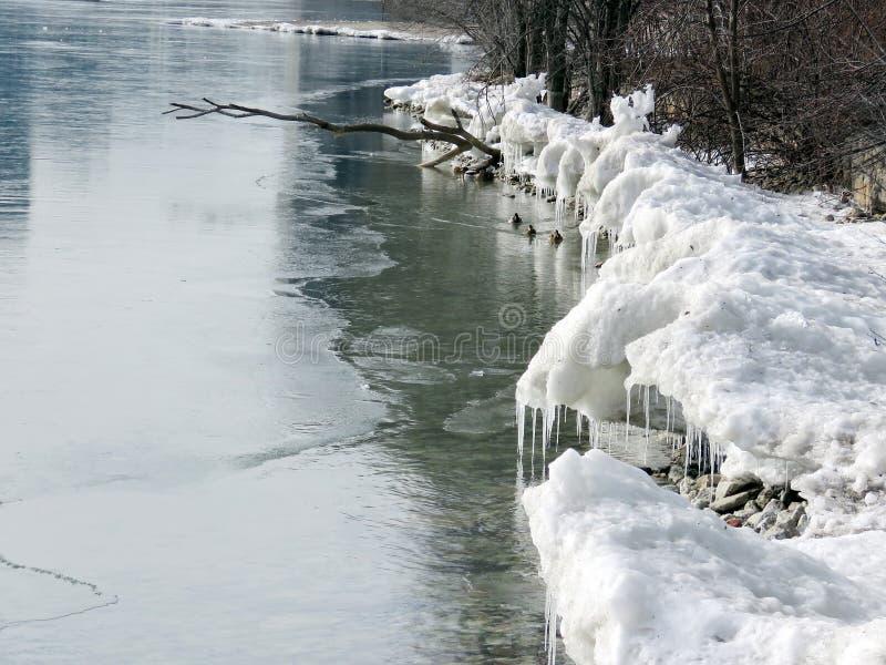 Берег замороженный озером 2018 Торонто стоковые фото