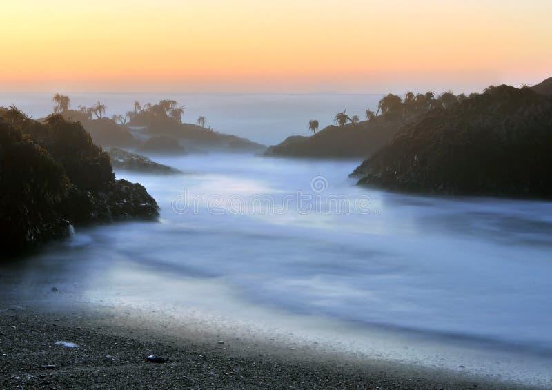 берег моря океана пляжа утесистый стоковые изображения rf
