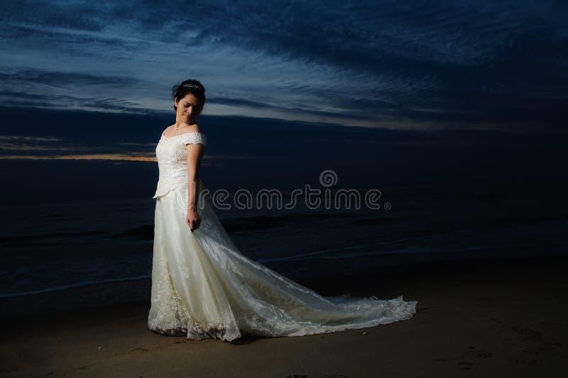 берег ночи невесты стоковые изображения rf
