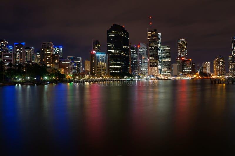 Берег реки Брисбен на ноче стоковое изображение