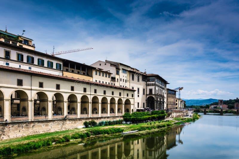 Берег реки в Флоренсе стоковые изображения rf