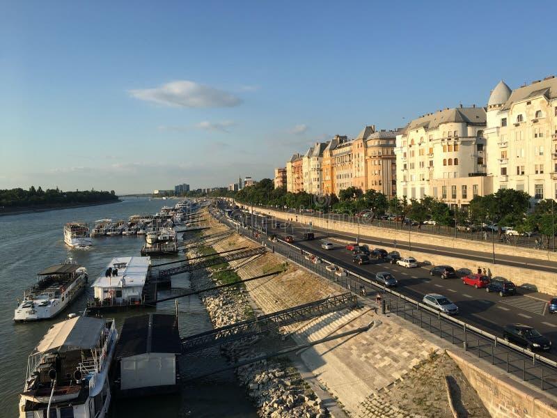 Берег реки Дунай, сторона бича, Будапешт стоковая фотография rf