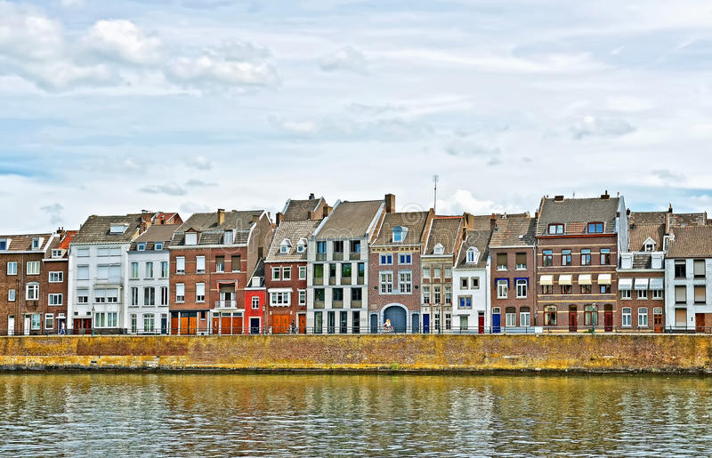Берег реки Маастрихта, Нидерландов стоковая фотография
