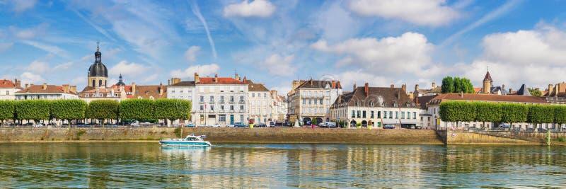 Берег реки Chalon-sur-Saone, Франция стоковая фотография