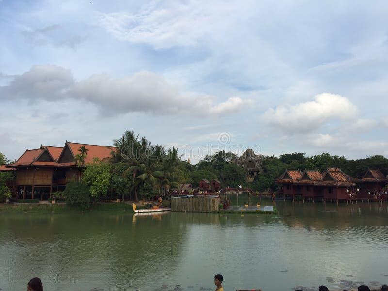Берег реки Phmon Penh стоковые фотографии rf