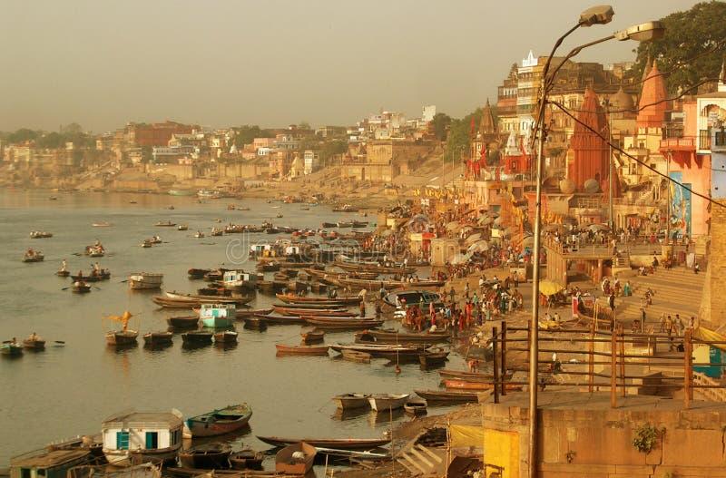 берег реки varanasi стоковые фотографии rf