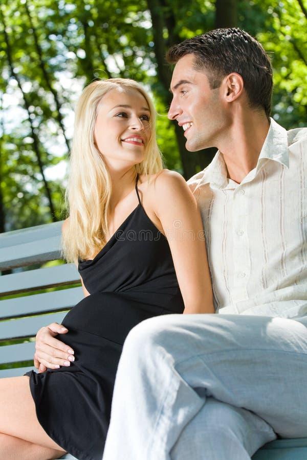 беременная женщина супруга стоковые фотографии rf