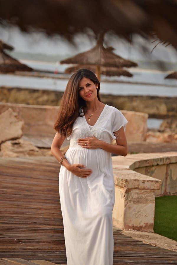 беременная женщина стоковое фото rf