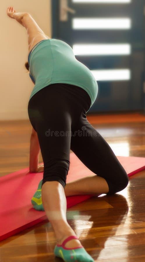 Беременность Pilates стоковое изображение