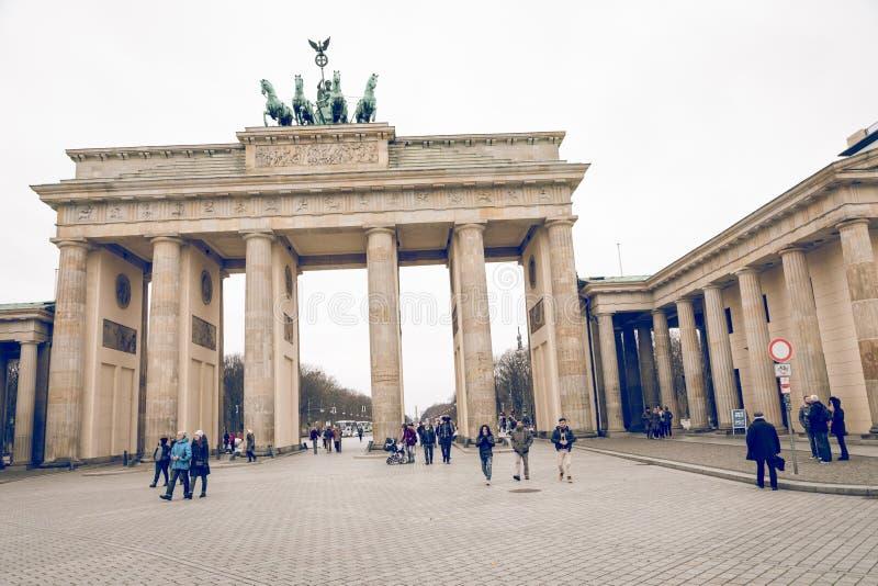 БЕРЛИН, ГЕРМАНИЯ - 06,2017 -ГО ДЕКАБРЬ: Бюстгальтер строба Берлина Бранденбурга стоковые фото