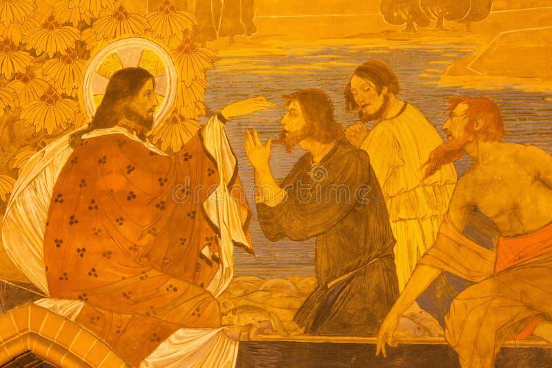 БЕРЛИН, ГЕРМАНИЯ, 16 -ГО ФЕВРАЛЬ -, 2017: Деталь фрески рыбной ловли чуда в церков St Pauls evengelical стоковая фотография rf