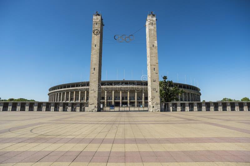 БЕРЛИН, ГЕРМАНИЯ, 8-ОЕ МАЯ 2018: Вход Olympiastadion в Берлин, стоковые фотографии rf
