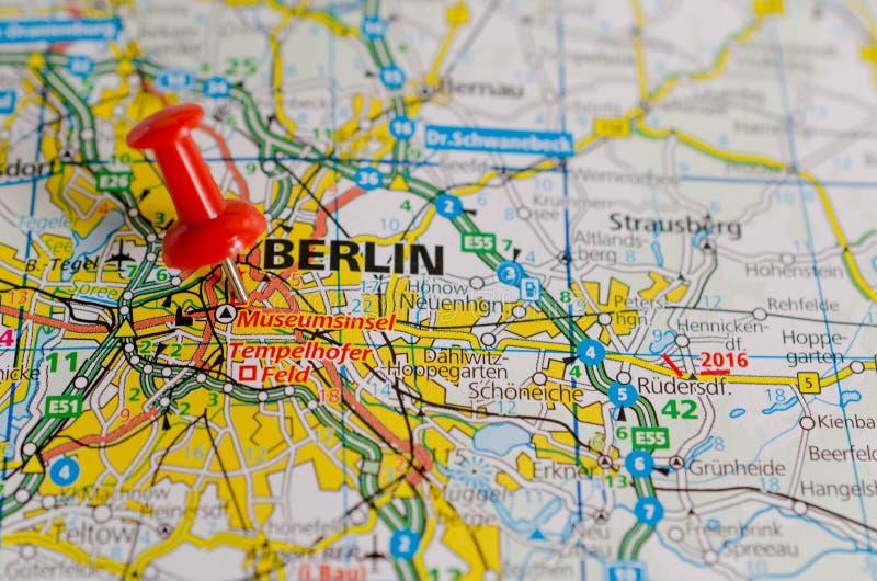Берлин на карте стоковая фотография rf