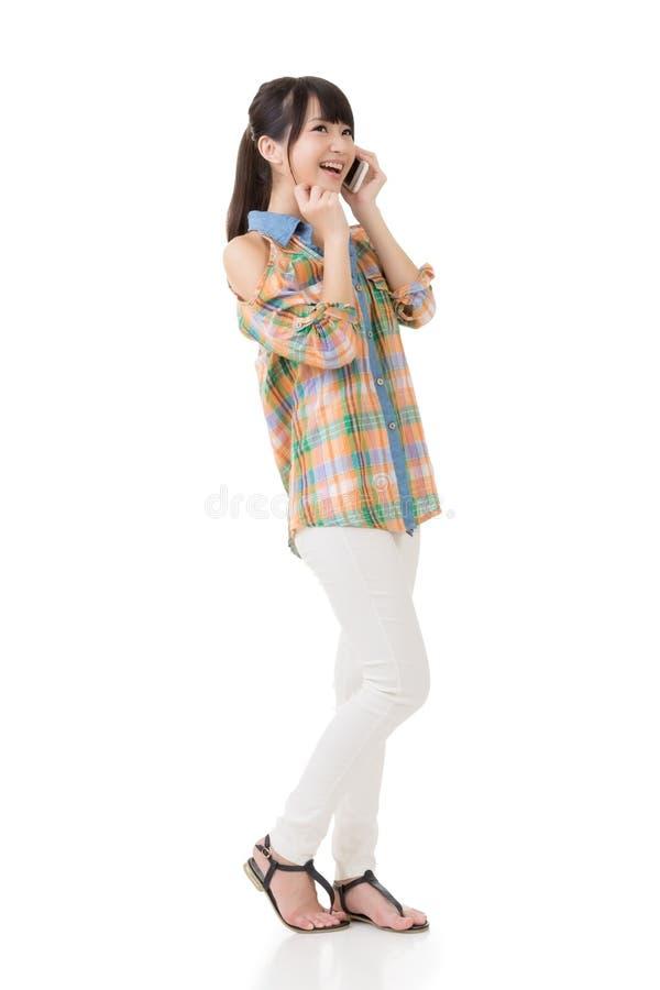 Download Беседа женщины стоковое изображение. изображение насчитывающей вскользь - 37925459